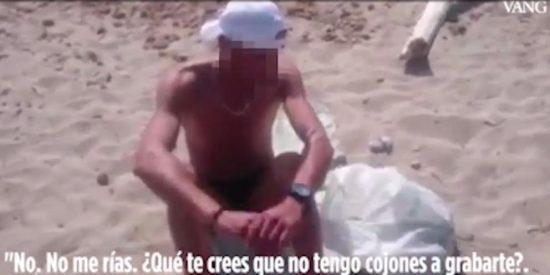 Así humilla la joven a un pajillero en una playa nudista mallorquina... y le hace huir con el rabo entre las piernas
