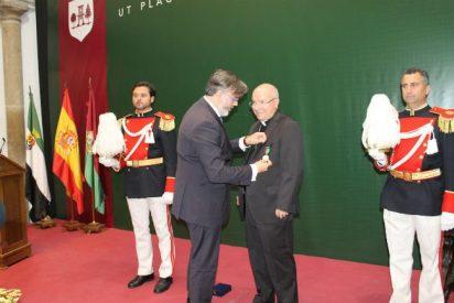 Don Amadeo Rodríguez Magro nombrado Hijo Adoptivo de Plasencia