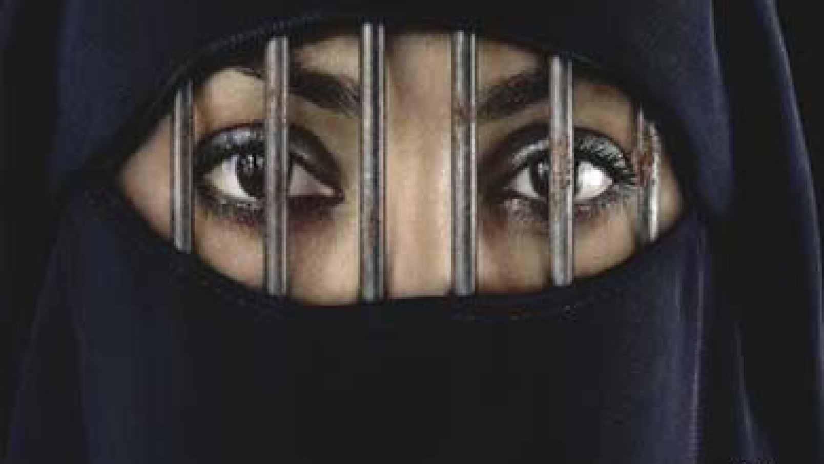 [VÍDEO] La mujer iraní que se pasea desnuda por las calles y es condenada a muerte