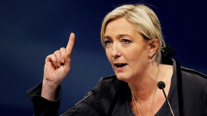 """Baja la popularidad de Macron y crece la de Le Pen: """"¡Te vamos a dar por culo!"""""""