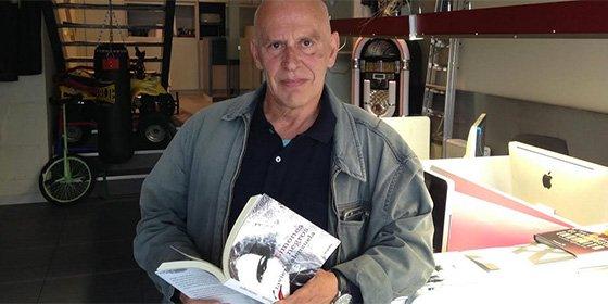 El escritor y periodista Javier Valenzuela ha ganado el premio 'Café Español 2019' con su relato corto 'Hitler en Tánger'