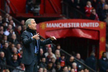 Mourinho lamenta salida de CH14 del Manchester United