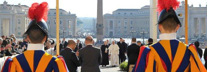 """El Papa, horrorizado, reprueba las """"inaceptables matanzas"""" con armas químicas en Siria"""
