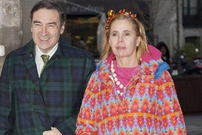 Pedrojota Ramírez y Ágatha Ruiz de la Prada a 'cara de perro' para firmar su divorcio y repartirse la pasta