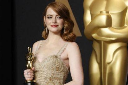 Un chico de 17 años invita a su baile de graduación a Emma Stone, y ella le responde esto