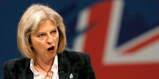 La insólita marranada de Theresa May a unos molestos Felipe VI y Letizia