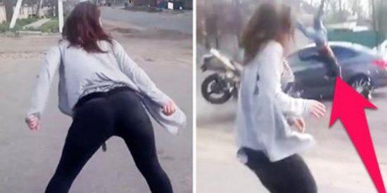 La sensual joven que provoca un grave accidente de tráfico por bailar 'twerking'