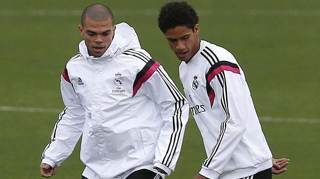 Pepe y Varane, únicas ausencias en la lista de Zidane para ganarle con el Real Madrid al Bayern de Múnich
