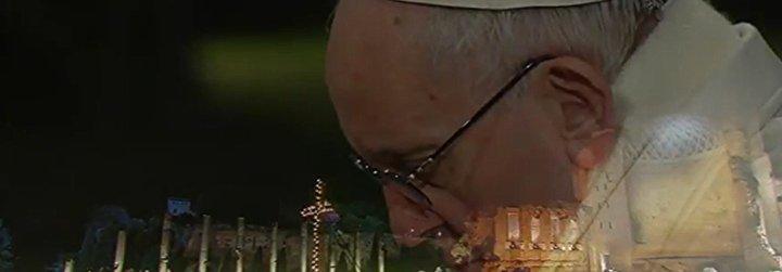 La mujer y la alegría, protagonistas de las meditaciones del Papa en el Vía Crucis