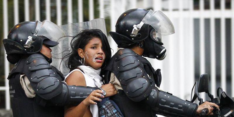 Asi torturaron los amigos de Podemos a tres jóvenes españoles en Venezuela