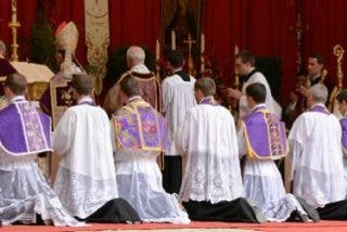 Bernard Fellay encubrió a varios sacerdotes lefebvrianos acusados de pederastia