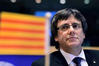 Puigdemont se queda con cara de 'salmón ahumado' tras un palo de altos vuelos