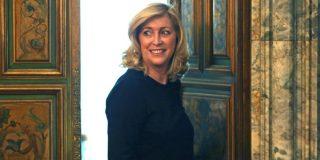 El juez imputa la delegada del Gobierno en Madrid por un presunto delito societario