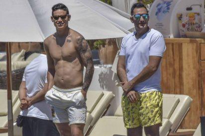 James Rodríguez se divierte en Ibiza con un pie fuera del Real Madrid