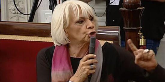 Kichi, el alcalde de Podemos, corta el micro a la concejal del PP Teófila Martínez