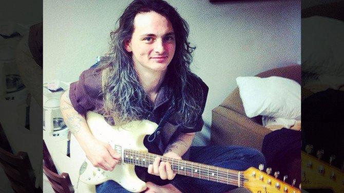 El músico despechado se suicida prendiéndose fuego y lo transmite por Facebook