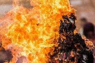 Bañan a una mujer en gasolina y le prenden fuego en Murcia
