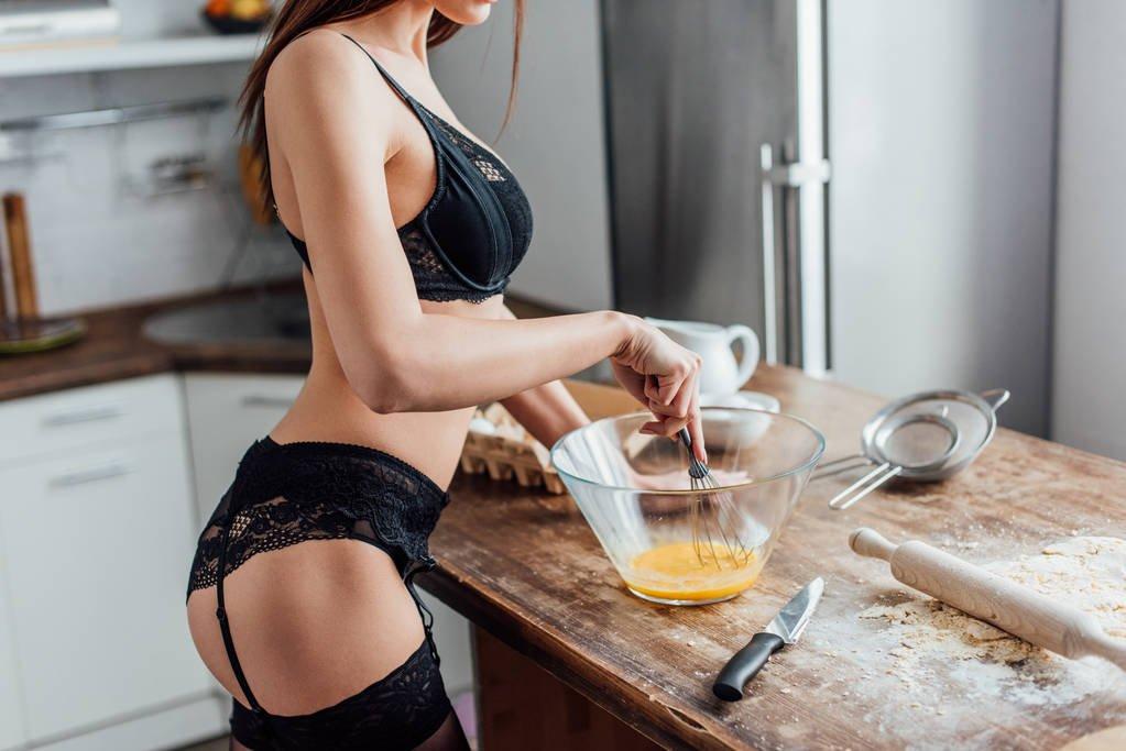 Sexo: las 4 mejores posiciones para hacérselo en la cocina