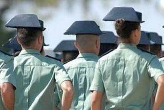 Sevilla: tres ladrones se disfrazan de guardias civiles y desvalijan violentamente hogares