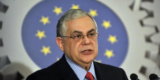 El ex primer ministro griego Papademos resulta herido al explosionar una bomba en su vehículo