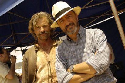 'Alatriste' Viggo Mortensen le sale rana...y separatista a Arturo Pérez-Reverte