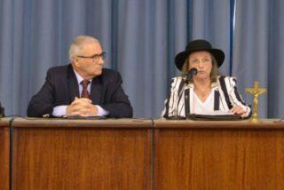 Los obispos argentinos escuchan los testimonios de familiares de desaparecidos y verdugos de la dictadura