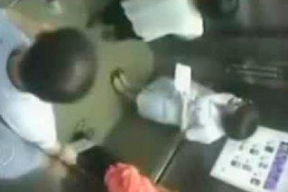 [VÍDEO] Mujer 'partida en dos' por ascensor en China