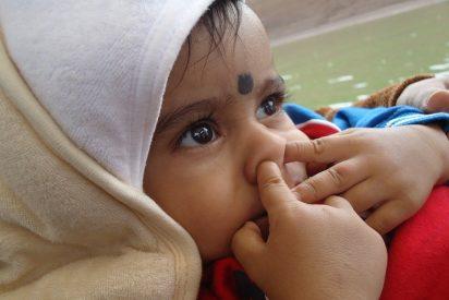 Deja a tu hijo que se coma los mocos, es bueno para su salud
