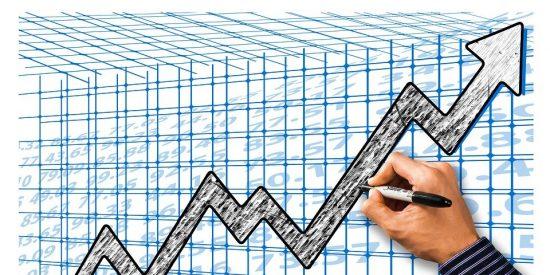 El Ibex 35 abre con una caída del 0,28% y defiende los 10.900 puntos