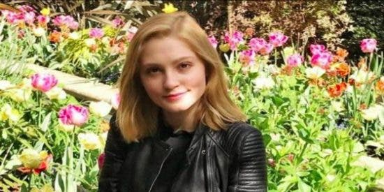 """Una alumna de Oxford apuñala al novio y se libra de la cárcel... por su """"extraordinario"""" talento"""