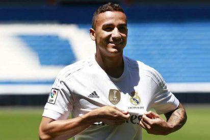 Las dos ofertas que ponen a Danilo con pie y medio fuera del Real Madrid