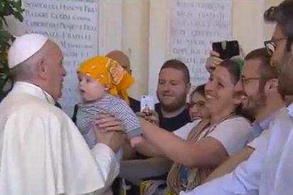 """El Papa dice a los jóvenes de Génova que se comprometan y """"no sean turistas de la vida"""""""