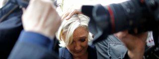 Los huevazos contra Marine Le Pen durante una visita a la Bretaña francesa