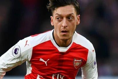 ¡Escándalo! La pelea de Özil en los vestuarios tras el Tottenham-Arsenal que pone en duda su futuro