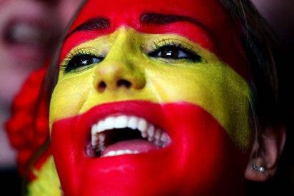 La 'invasión' de banderas españolas en Barcelona que trae de cabeza a Colau