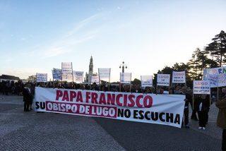 Vecinos de Friol entregan una carta al Papa en Fátima