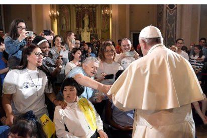 """En Génova, Francisco toca los """"temas candentes"""" de su pontificado"""