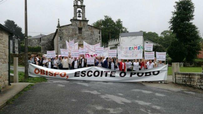Decimosexta manifestación de los vecinos de Friol
