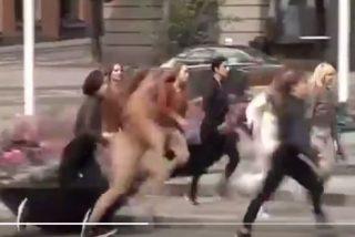 Así relinchan al trote las encabritadas feministas suecas para protestar contra el patriarcado