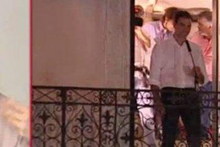 'Yoko Ono' empuja a Sánchez del balcón: retirarán la moción si el PSOE presenta otra