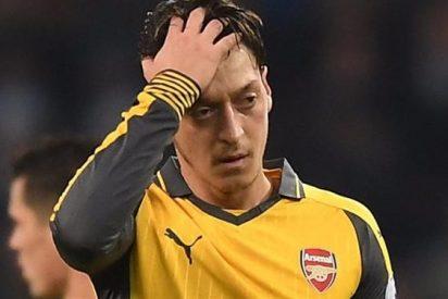 La última 'fanfarronada' de Özil se paga cara: la decisión del Arsenal respecto a su futuro