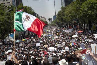 """""""Sacerdotes y periodistas son las dos profesiones más peligrosas de México"""""""