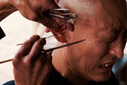 [VÍDEO] 'Cosas de chinos': Así te limpian en la calle, la cera de los oídos