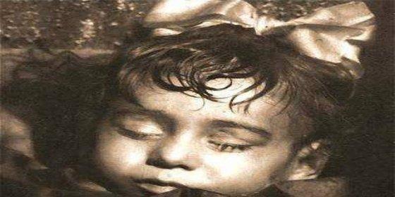 Aclarado el misterio de la niña encontrada intacta en un florido ataúd de 1870