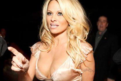 El irreconocible aspecto de Pamela Anderson en Cannes que te dejará boquiabierto