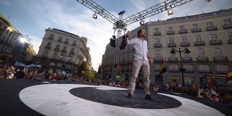 Podemos no llena la Puerta de Sol ni fletando autobuses como hacía Franco