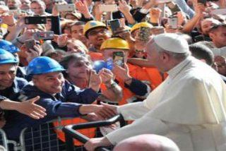 """El Papa con los obreros de Génova: """"Hoy, el trabajo está en riesgo"""""""