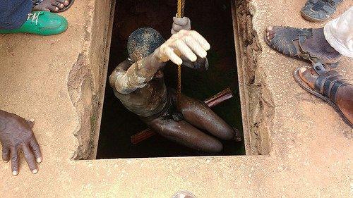 El hombre encontrado en el fondo de en un pozo
