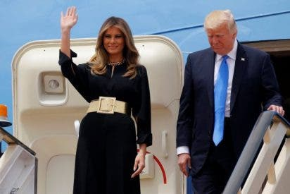 La imagen de Melania Trump en Arabia Saudí sin velo, que deja mal a Trump