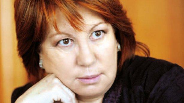 Cristina Cifuentes en el centro de la polém